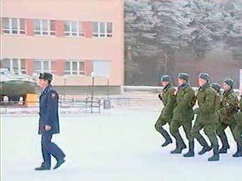 Солдатам Центрального военного округа запретили петь строевые песни на морозе