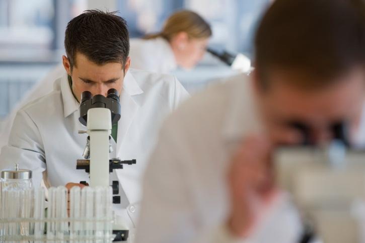 Американские ученые вылечили лихорадку Эбола при помощи моноклональных антителам
