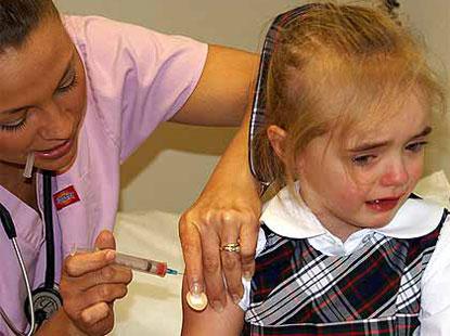 В Украину возвращаются запрещенные ранее прививки