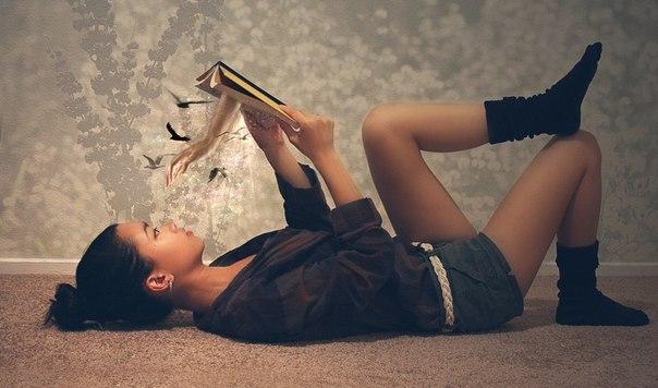 Почему читать лежа вредно?