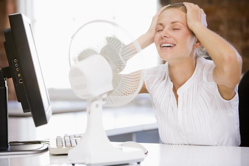 Как бороться с жарой в офисе