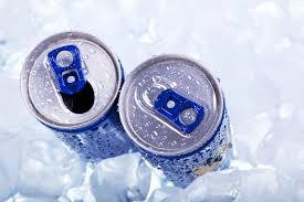 Насколько опасно употребление энергетических напитков
