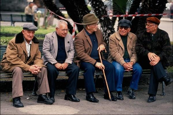 Уход за престарелыми в частном доме престарелых.
