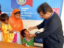 ВОЗ обязала Пакистан срочно привить детей от полиомиелита
