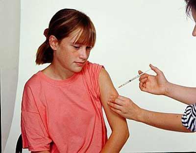 Новая вакцина от коклюша защищает, но не препятствует передаче болезни