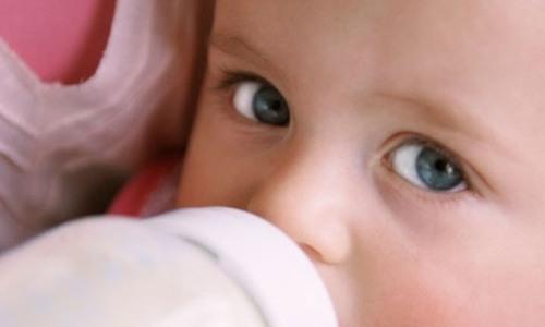 На Дону детей ВИЧ-инфицированных матерей обеспечат молочными смесями