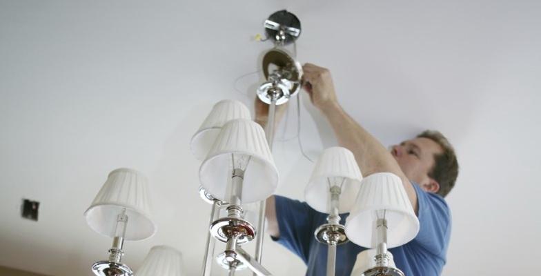 Как правильно и безопасно подключить люстру