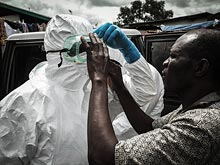 Забастовка работников клиники может свести усилия по борьбе с Эбола на нет