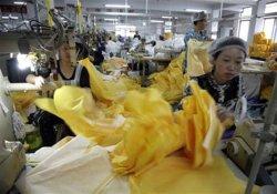 Эпидемия лихорадки Эбола принесла сверхдоходы китайской швейной фабрике
