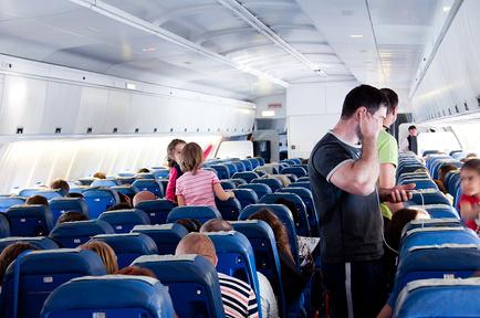 Через кресла в самолете передается инфекция