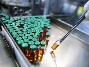 Член ОНФ раскритиковал Минздрав за закупку американской вакцины