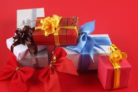Какие подарки дарить в 2015 год