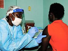 Экспериментальная программа по вакцинации против Эбола началась