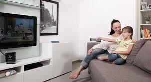 Как ребенок реагирует на телевизор