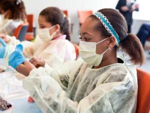 Тряпичные маски оказались бесполезными для защиты медиков от инфекций
