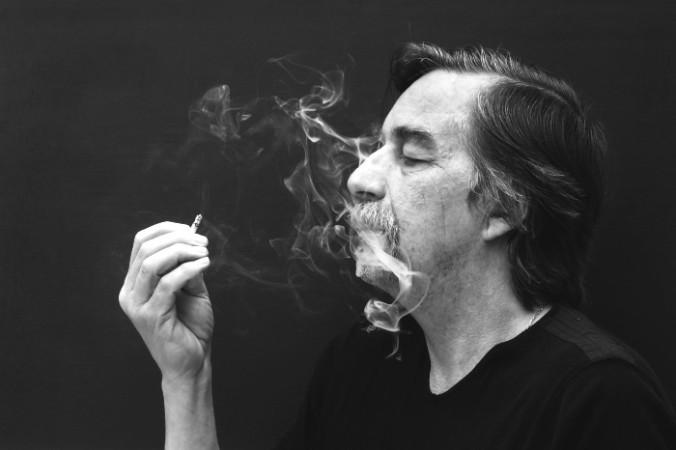 Сигаретный дым делает бактерии агрессивнее