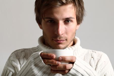 Мужские свитера всегда на гребне моды!