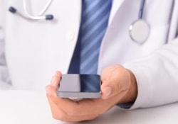 Смартфон как средство диагностики половых инфекций – новые функции «мобильников»