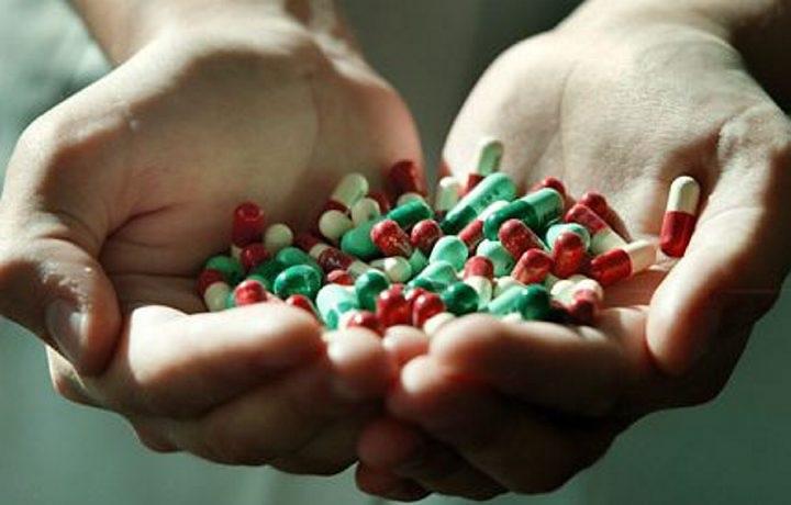 Антибиотики не справляются с новыми бактериями