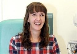 Медсестра, год назад переболевшая лихорадкой Эбола, госпитализирована вновь