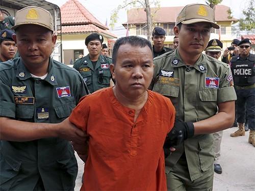 Камбоджийский врач, заразивший ВИЧ своих пациентов, получил 25 лет тюрьмы
