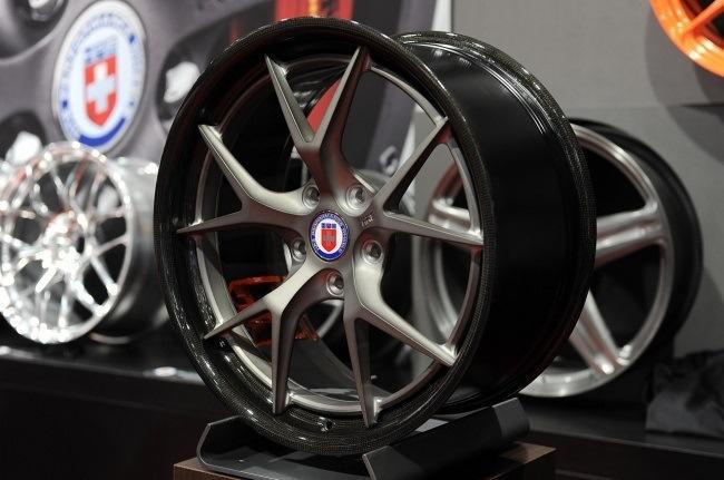 Что такое углепластиковые колёса для автомобиля?