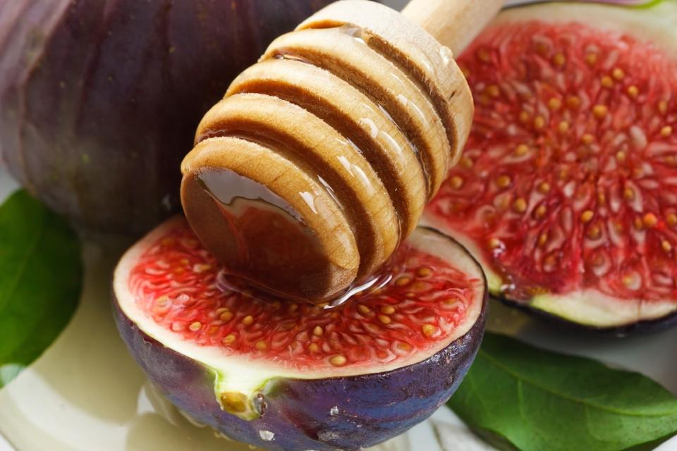 Чеснок, инжир и мед улучшат состояние при коклюше