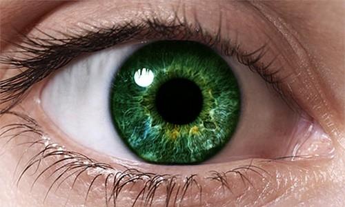 Можно ли поменять цвет глаз