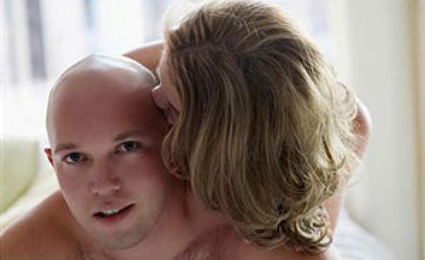 Почему люди лысеют и как лечить алопецию?