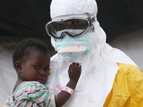 Вирус Эбола может сохраняться в сперме до полутора лет
