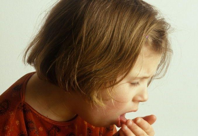 Молдову атакует коклюш: Родители приносят своих детей в жертву, лишь бы не ставить им прививки