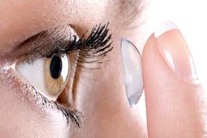 Контактные линзы могут спровоцировать развитие глазных инфекций