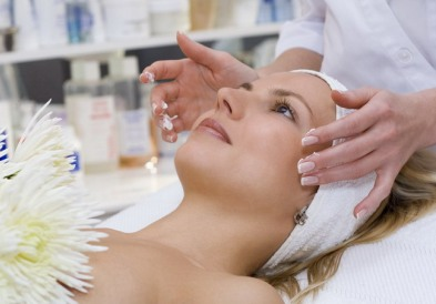 Чему учат на курсах, готовящих косметологов?