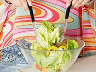 Листовые овощи, продающиеся в супермаркете, угрожают развитием кишечной инфекции
