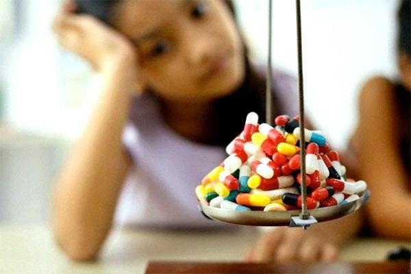 Прием антибиотиков в младенчестве приводит к лишнему весу