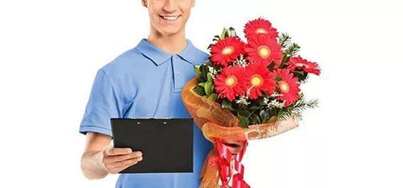 Букеты из живых цветов с курьерской доставкой на дом
