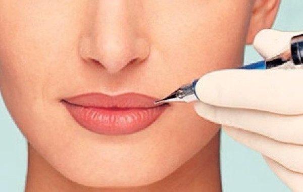 Где можно сделать татуаж губ?
