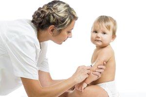 Коклюш у детей: методы лечения и значение вакцинации