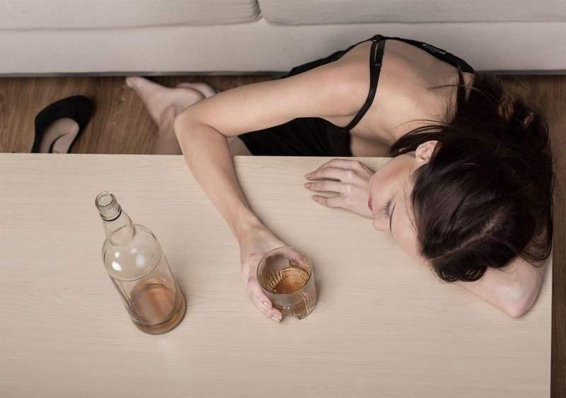 Смешивание алкоголя с этими лекарствами может привести к страшным последствиям
