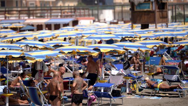 Зачем переодевать купальник и плавки на пляже: пять важных причин