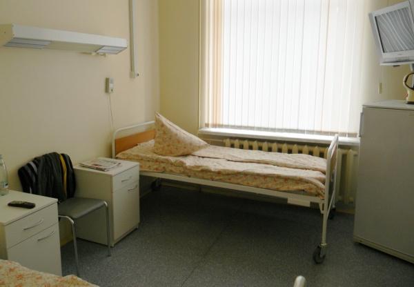 Российские больницы осаждают опасные бактерии, признаются врачи