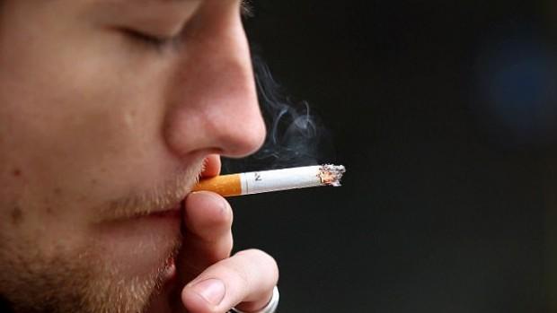 ВИЧ-инфицированные, которые курят, чаще умирают от рака легких, чем от ВИЧ