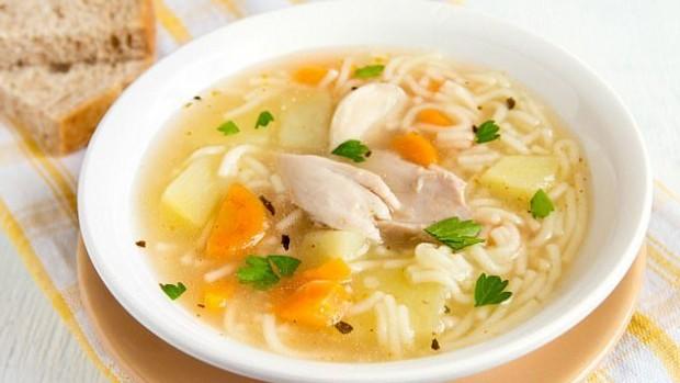 Куриный суп может быть эффективным средством от простуды