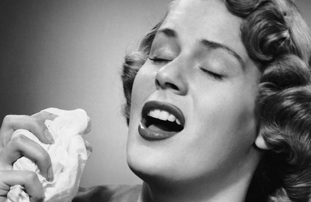 Почему нельзя пользоваться бумажными платками при насморке