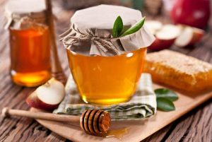 Средства на основе меда против боли в горле