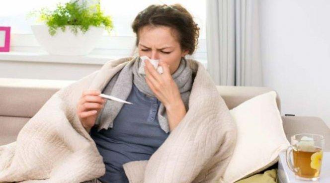 Врачи назвали бесполезные методы спасения от простуды