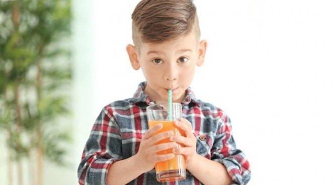Любовь к фруктовым сокам грозит ребенку астмой