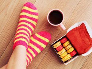 Постоянно холодные ноги: причины и лечение