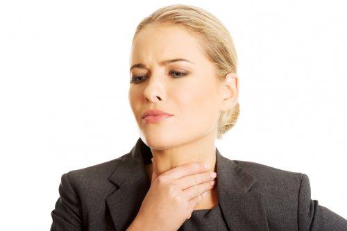 Болит горло: чем лечить