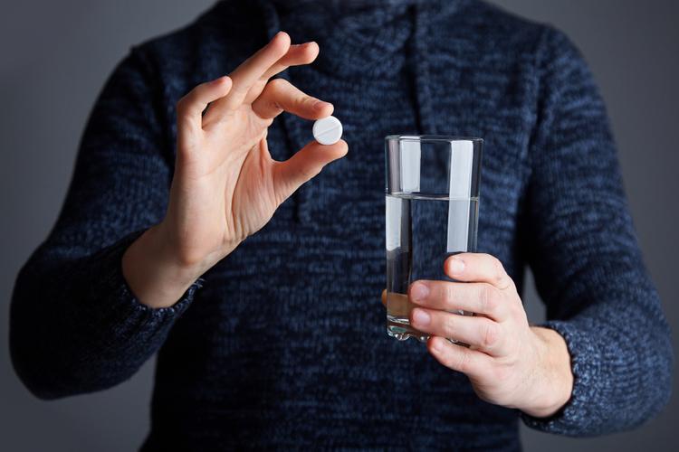 Хирурги призывают отказаться от мощных антикоагулянтов в пользу аспирина